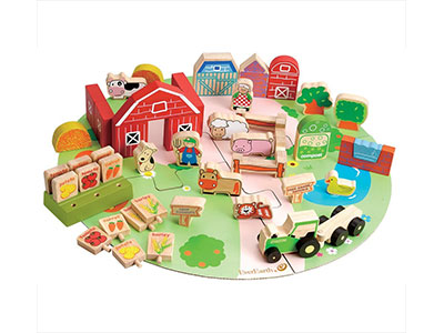Wooden Farmyard Set